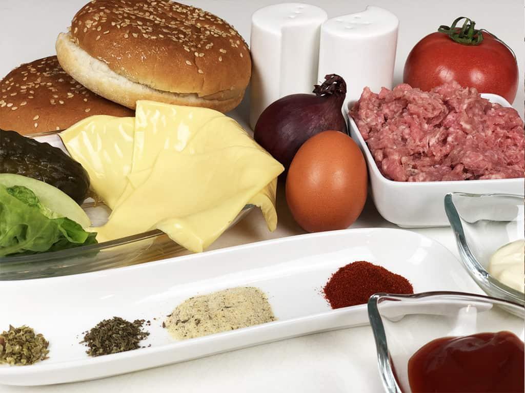 Domowy Cheeseburger - składniki przed przygotowaniem