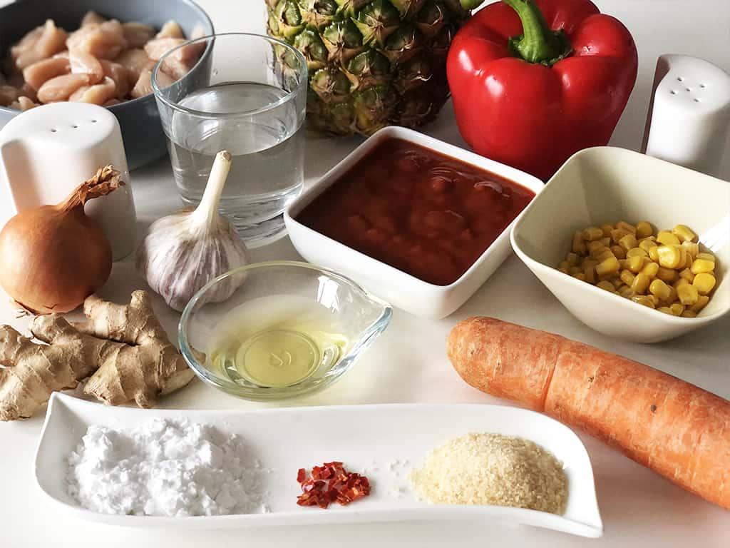Kurczak w sosie słodko-kwaśnym - składniki przed przygotowaniem