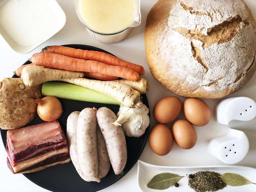 Żur wielkanocny w chlebie - składniki przed przygotowaniem