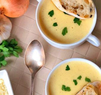 Zupa krem czosnkowo-serowa
