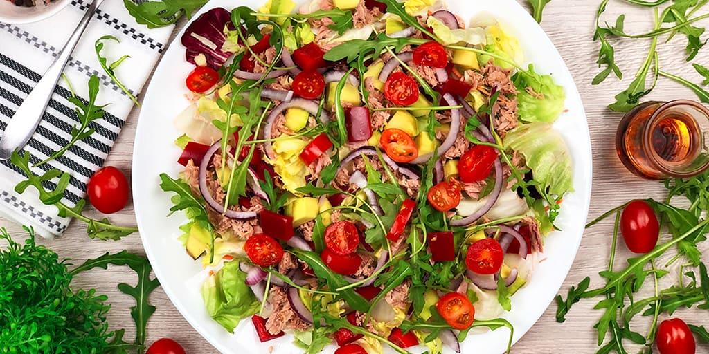 Sałatka z tuńczykiem - propozycja przygotowania