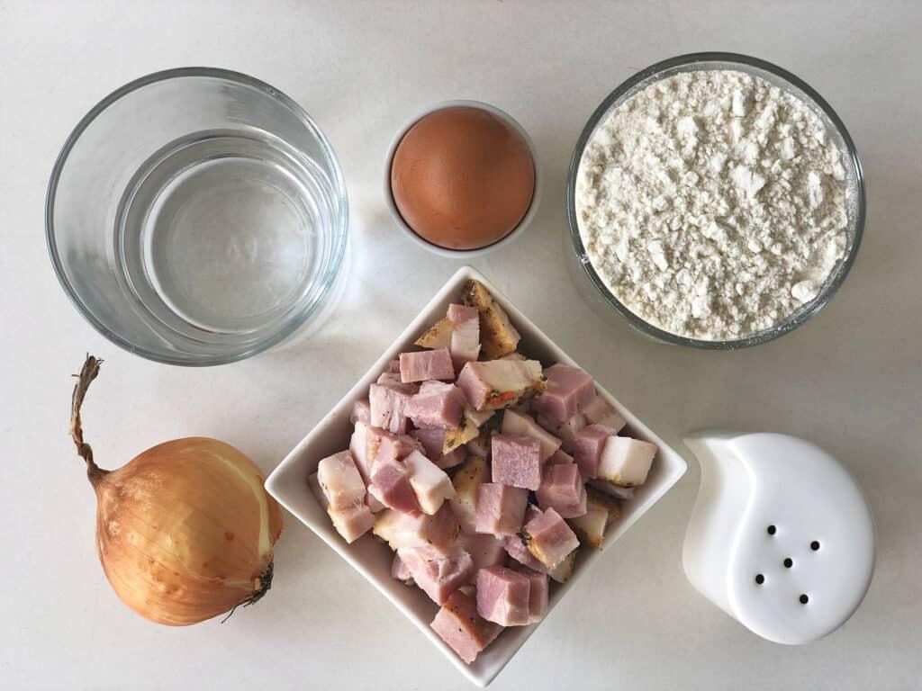 Kluski kładzione - składniki przed przygotowaniem