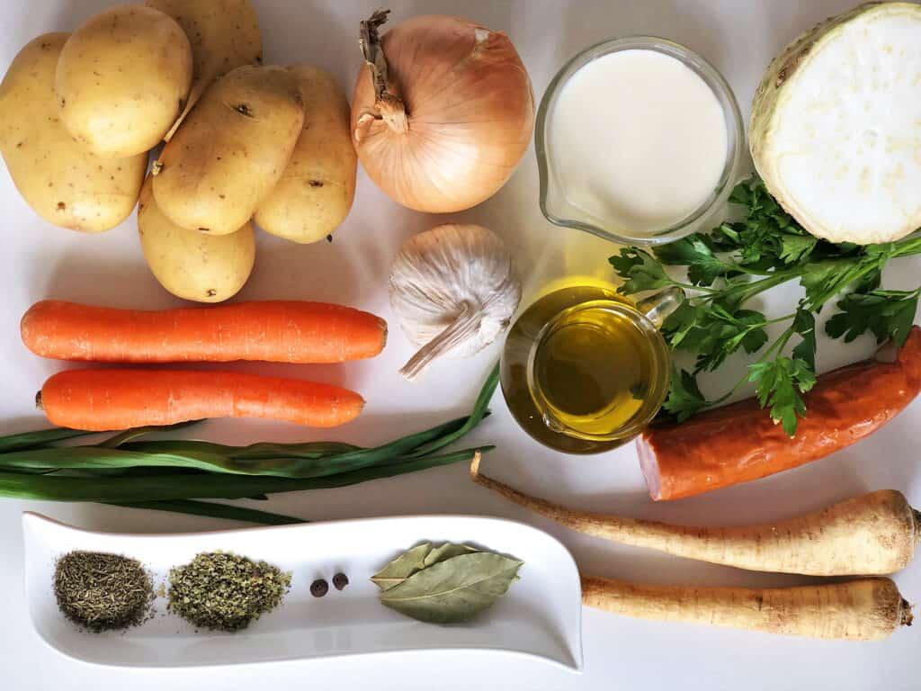 Zupa ziemniaczana - składniki przed przygotowaniem
