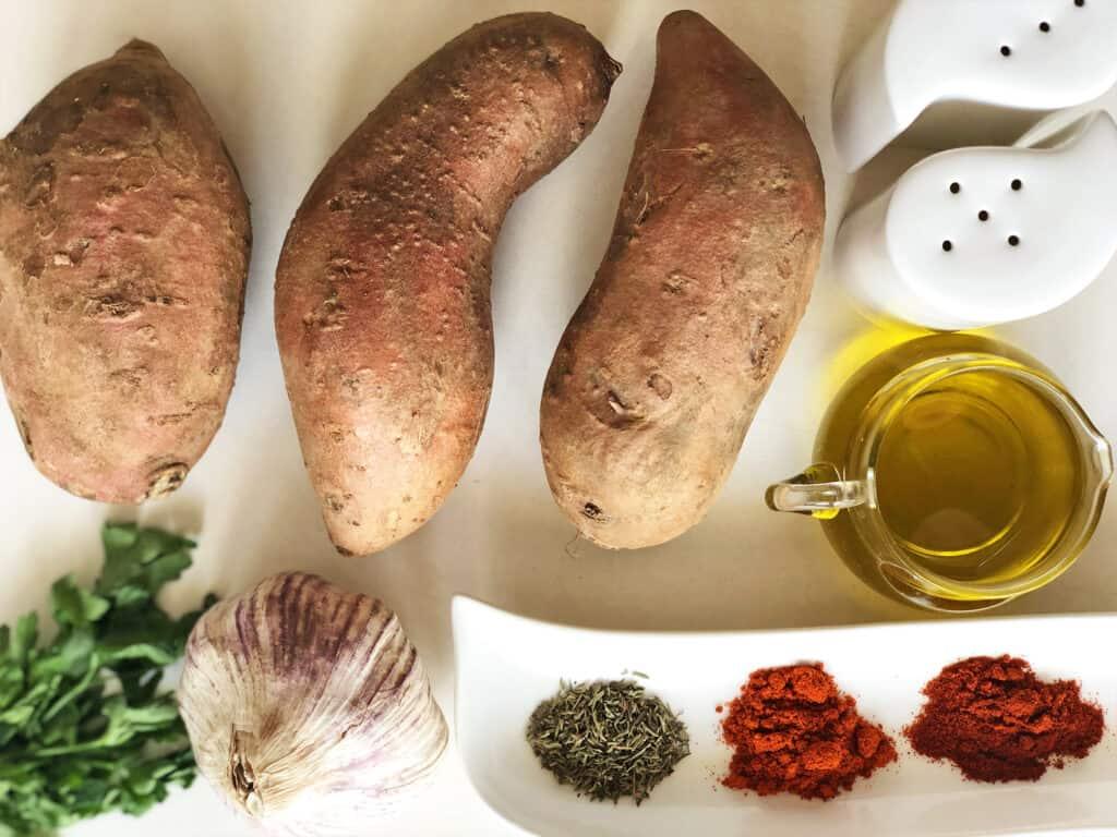 Frytki z batatów - składniki przed przygotowaniem