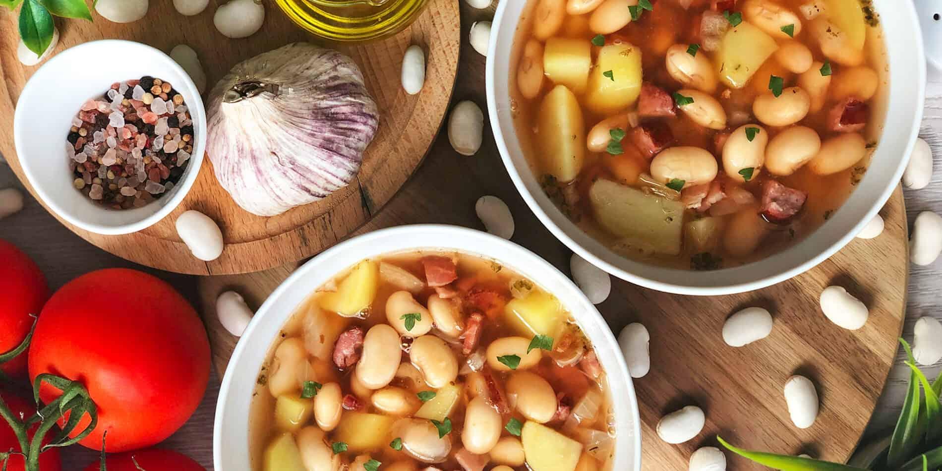 Zupa fasolowa z boczkiem i kiełbasą - propozycja przygotowania