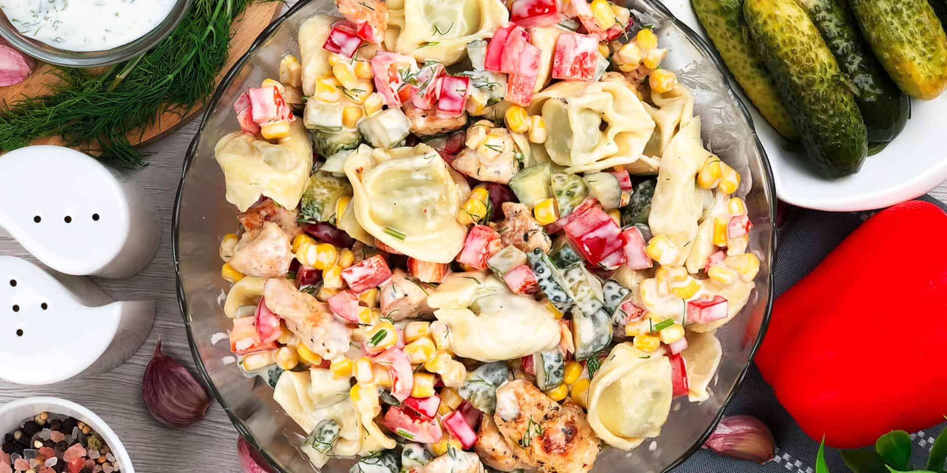 Sałatka z kurczakiem i tortellini - propozycja przygotowania
